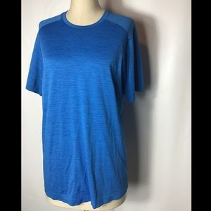 BRAND NEW lululemon blue vent shirt